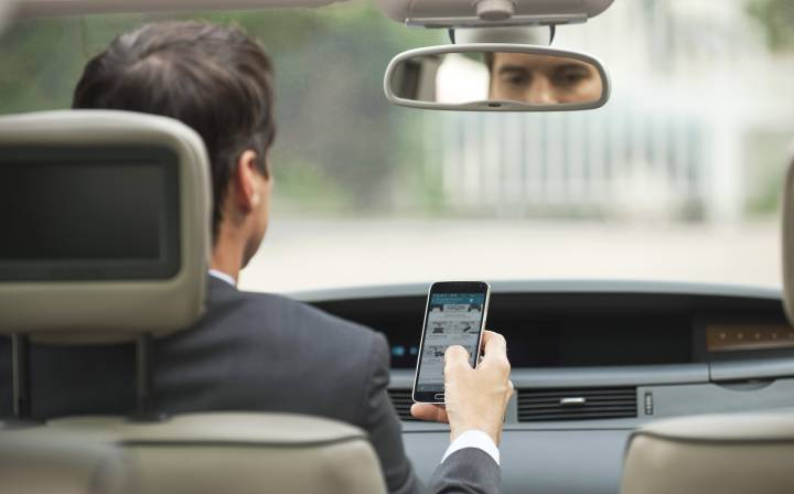 ¿Tienes coche o móvil de empresa? El GPS puede delatarte y costarte el empleo